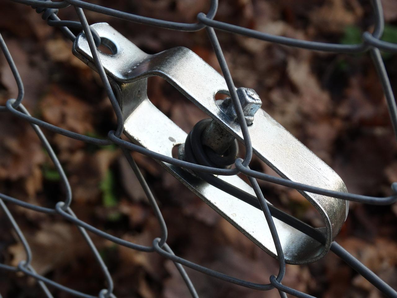 fence-adjuster-590623_1280